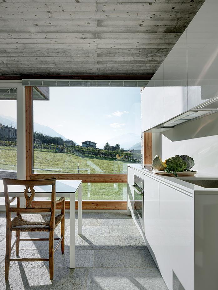 Кухня. Дом в Италии у подножия Альп