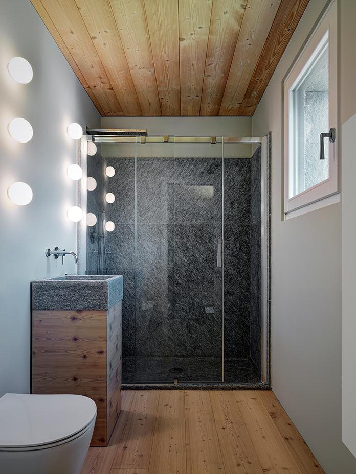 Ванная комната. Дом в Италии у подножия Альп