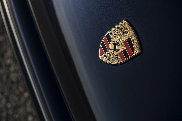 Шильдик Porsche 911 Monaco by Singer Vehicle Design