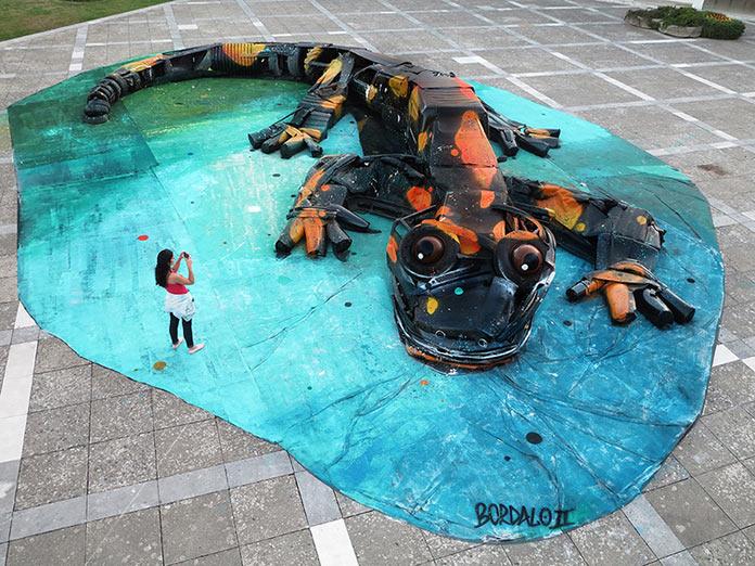 Крокодил, скульптура из мусора, стрит-арт Bordalo-II