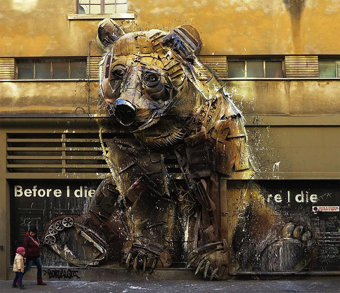 Скульптура медведя из мусора, стрит-арт Bordalo-II