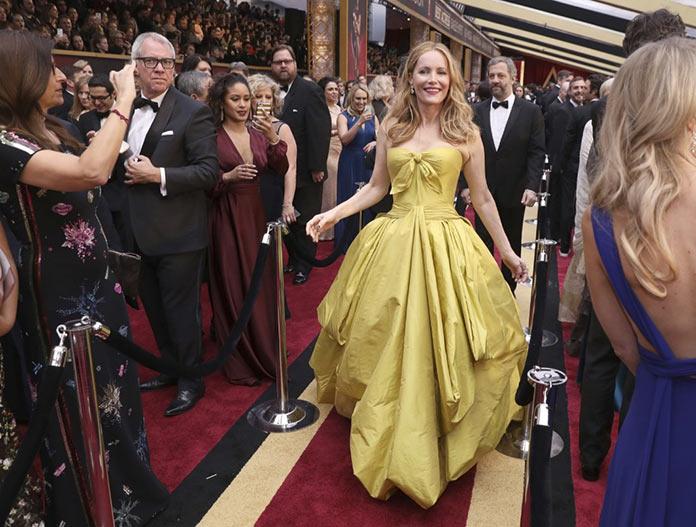 Лесли Манн прибывает на 89 церемонию Оскар