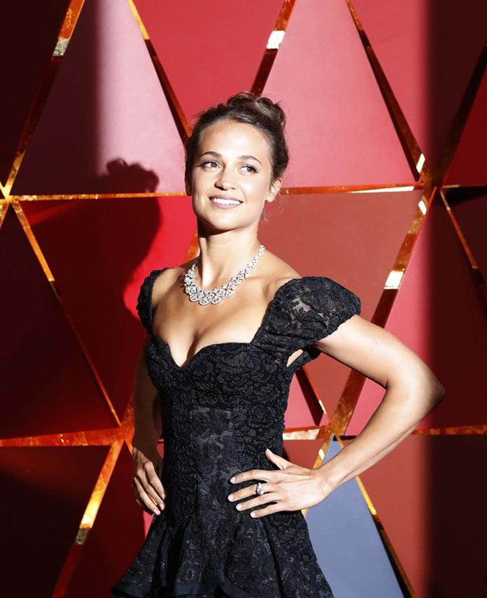 Алисия Викандер в платье Louis Vuitton. Оскар 2017