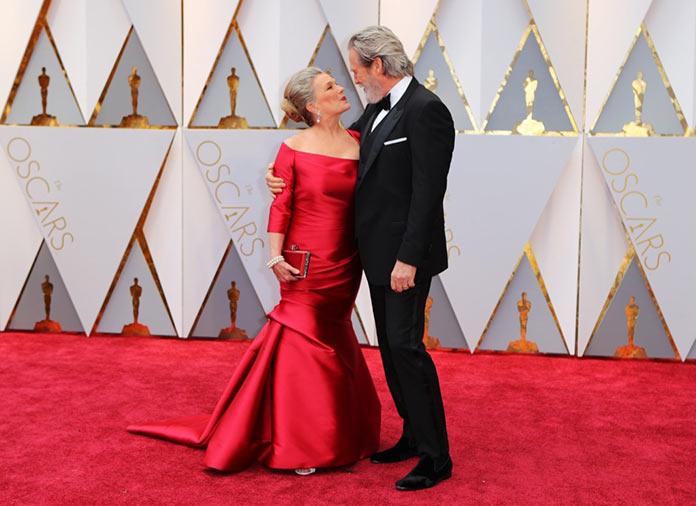 Джефф Бриджес с женой Сьюзан Гестон на красной дорожке. Оскар 2017
