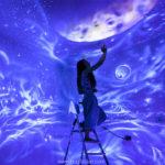 Космическая тема в интерьере - настенный космическии пейзаж светящийся в темноте