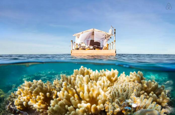 Плавающий дом на Большом Барьерном рифе у побережья Австралии
