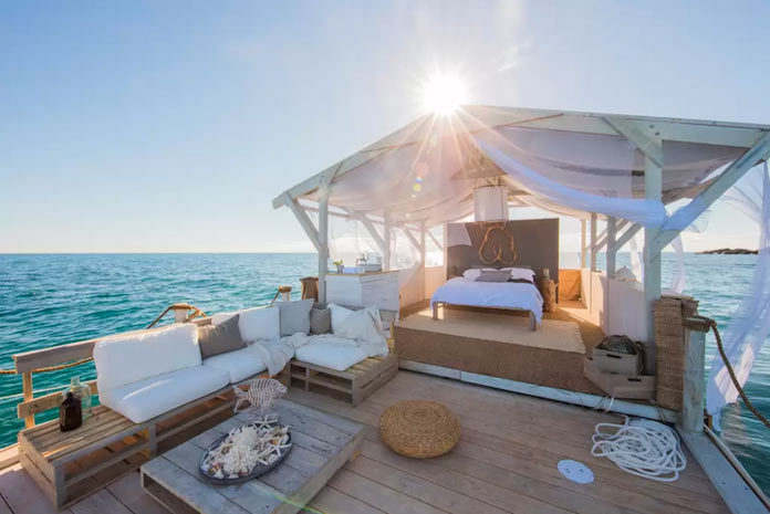 Floating Rental House Great Barrier Reef