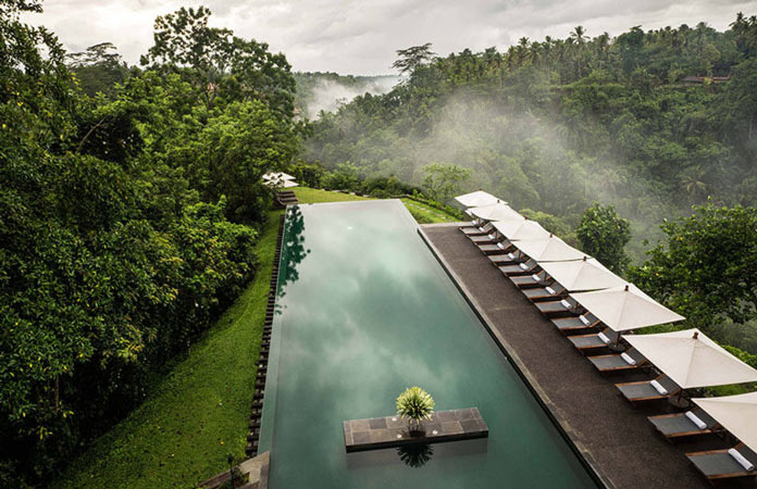 Бассейн на крыше отеля Ubud на острове Бали, Индонезия