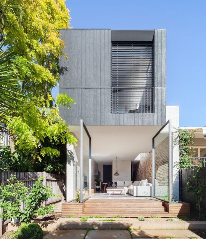 Дом в Австралии с поворотными стеклянными дверями