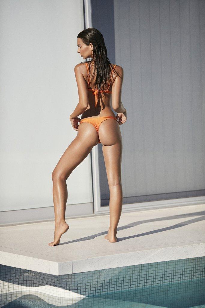 Эмили Ратайковски в бикини для бренда Amore&Sorvete