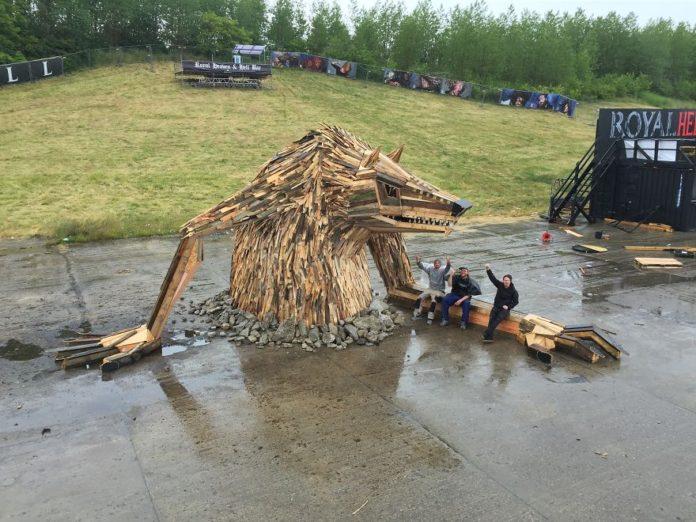 Деревянные скульптуры Томаса Дамбо