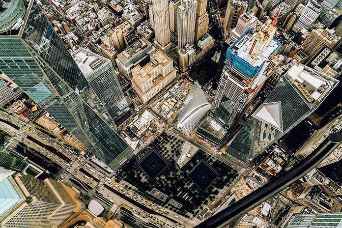 Мемориал трагедии 9/11, Нью-Йорк с высоты, фото Джорджа МакКинзи младшего