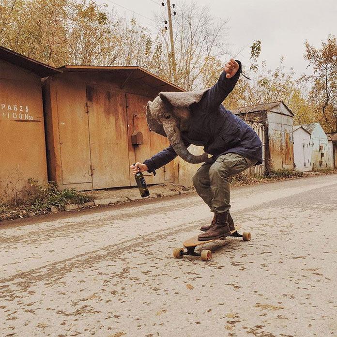 Грустный слон (trunkdrunk) на скейте в гаражном массиве