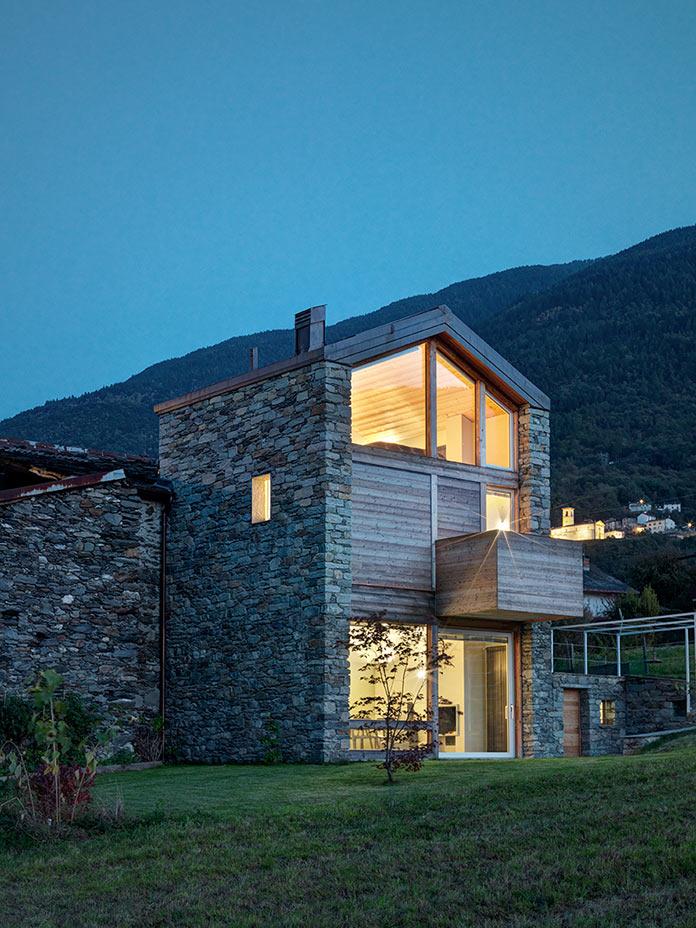 Дом в Италии у подножия Альп