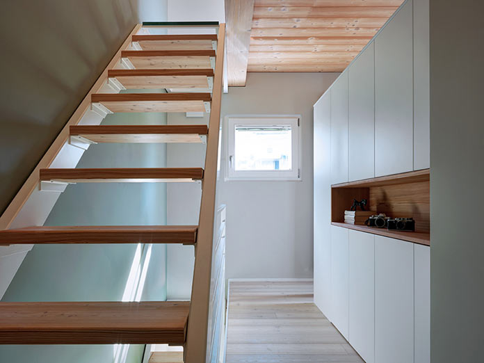 Лестница. Дом в Италии у подножия Альп
