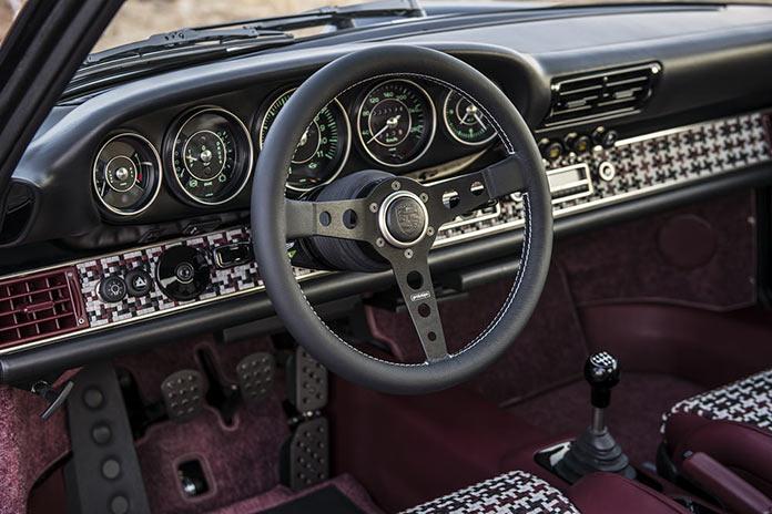 Руль и приборная панель. Porsche 911 Monaco by Singer Vehicle Design