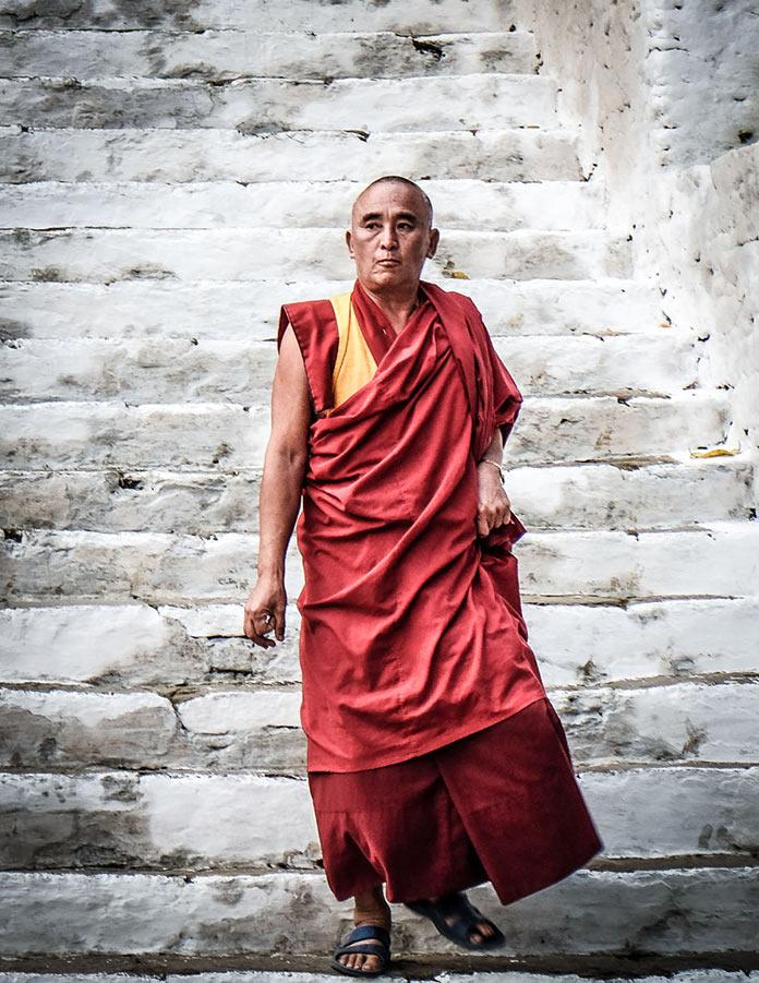Монах. Этническая жизнь в Бутане. Bhutan Life
