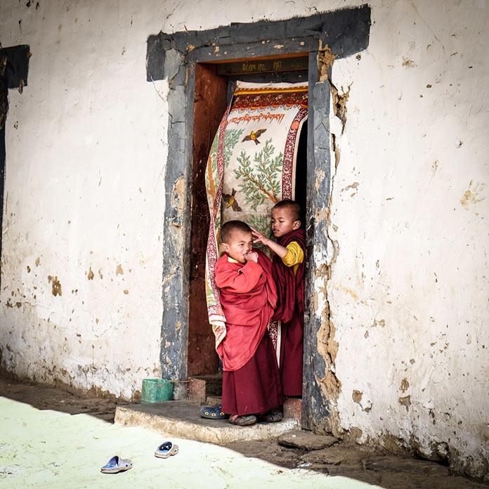 Дети. Этническая жизнь в Бутане. Bhutan Life