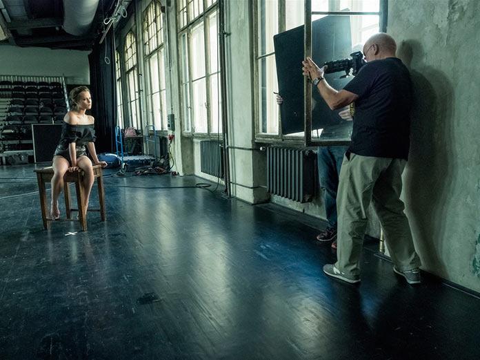 Алисия Викандер, бэкстейдж съемок для календаря Pirelli 2017