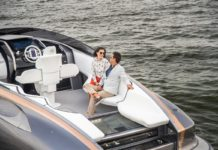 Lexus анонсировал спортивную яхту с двумя двигателями V8 от купе LC 500