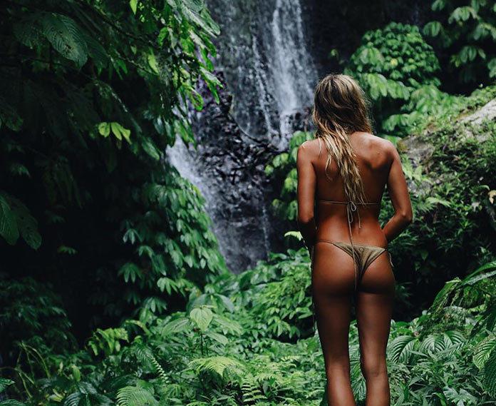 Мэдди Рельф в джунглях