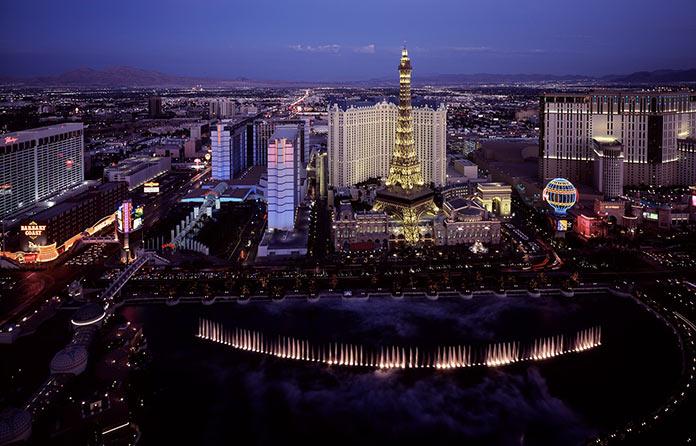 Лас-Вегас, Париж, фонтаны,