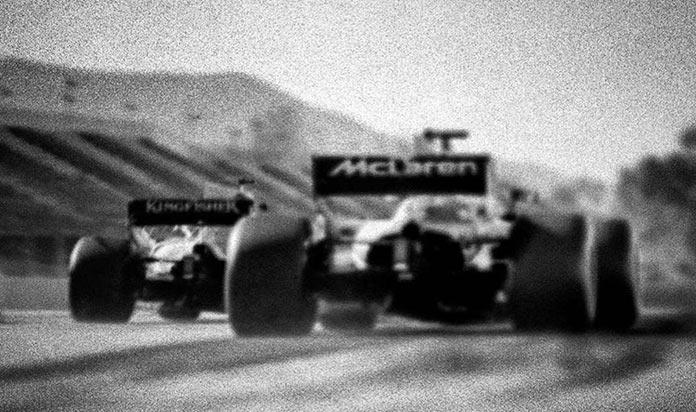 Заезд Формула-1, фото на старинную камеру