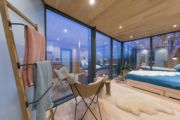 Гостиная и спальня. Модульный мини-дом ÖÖD
