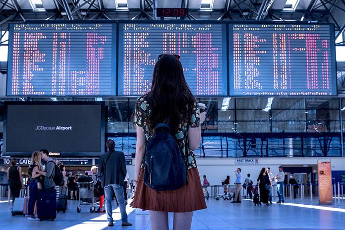Электронные табло в аэропорту