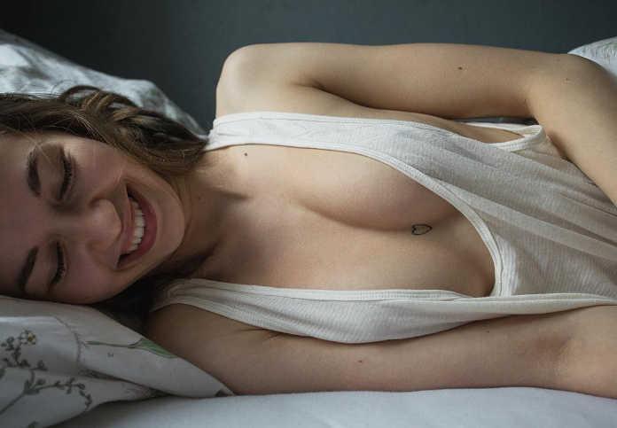 Провокационно эротичные фотографии девушек моделей