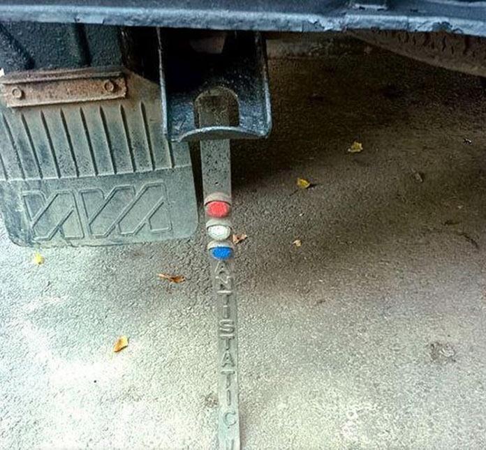 Тюнинг автомобилей в СССР. Резиновая лента со световозвращателями