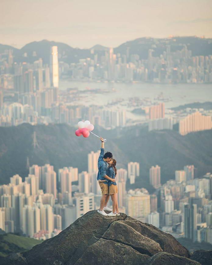 Гонконг, Китай, целующаяся пара