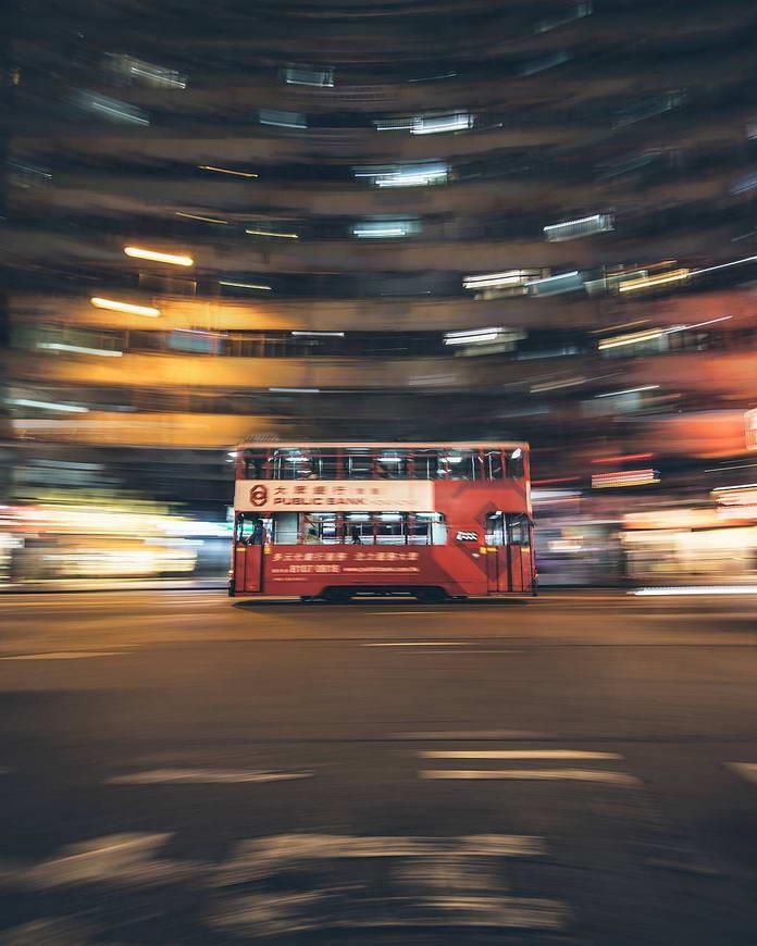Гонконг, Китай, городской пейзаж, двухэтажный трамвай, улица