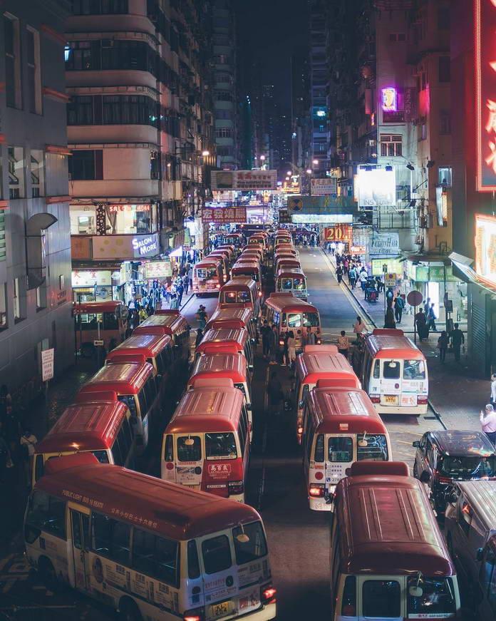 Автобусы и дорожный трафик, Гонконг, Китай