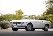 Alfa Romeo Giulia GTC 1966 года вид сбоку