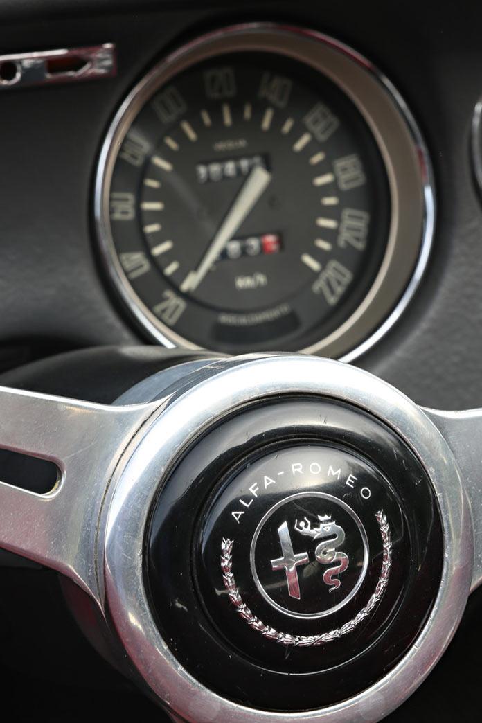 Приборная панель Alfa Romeo Giulia GTC 1966 года