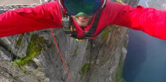 Carlos Munoz jumps off 425 meters cliff