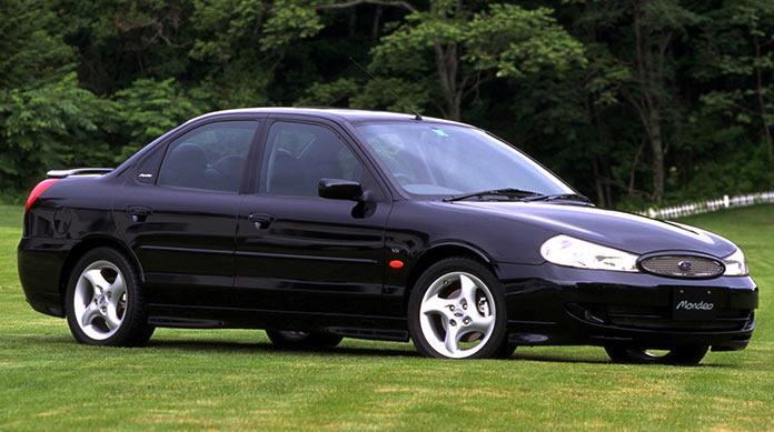 Самые популярные авто в России 1990-х. Ford Mondeo 1996 года