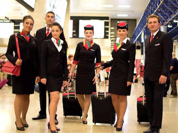 Форма бортпроводников авиакомпании Air Malta
