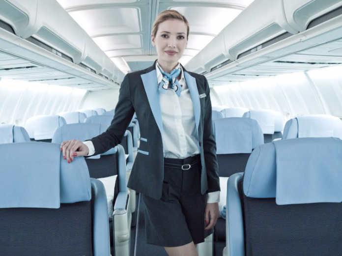 Форма бортпроводников авиакомпании La Compagnie