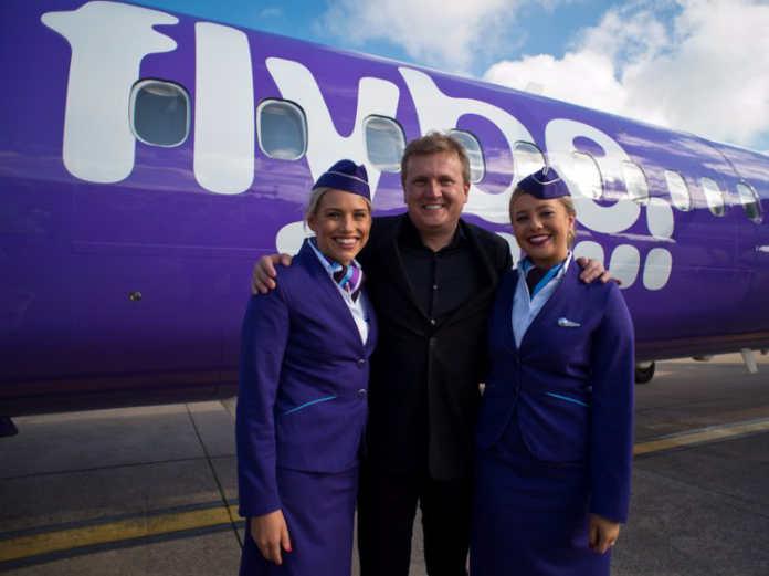 Форма бортпроводников авиакомпании Flybe