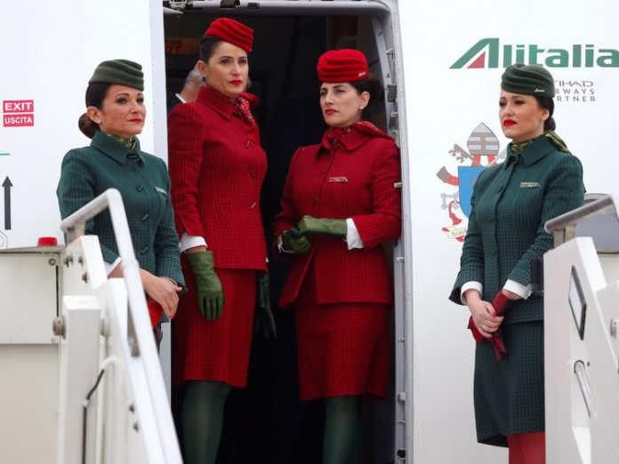 Форма бортпроводников авиакомпании Alitalia