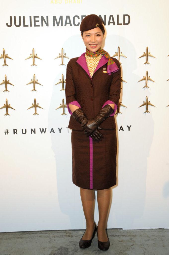 Форма бортпроводников авиакомпании Etihad Airways