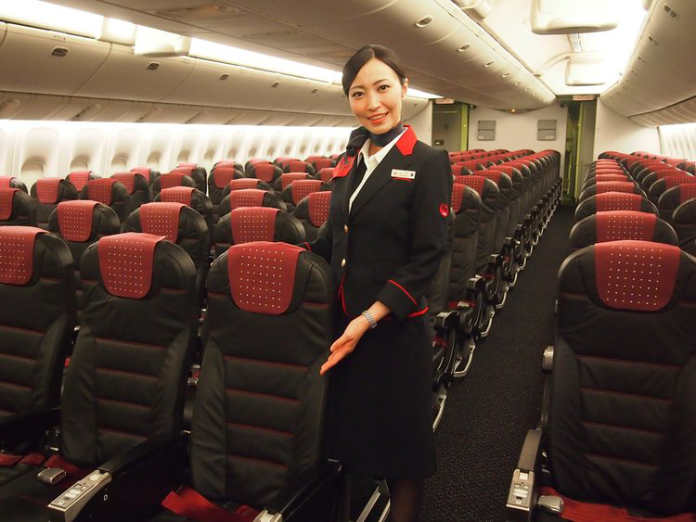 Форма бортпроводников авиакомпании Japan Airlines
