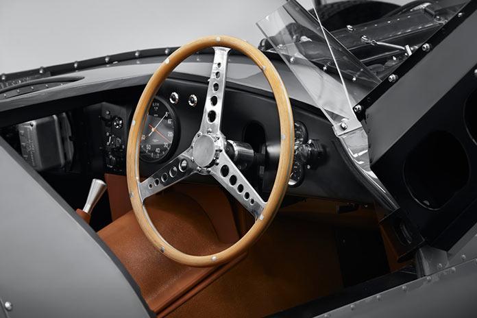 Jaguar перезапустил производство знакового Classic D-type 2018