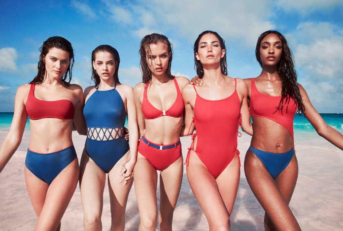 Супермодели в бикини на пляже