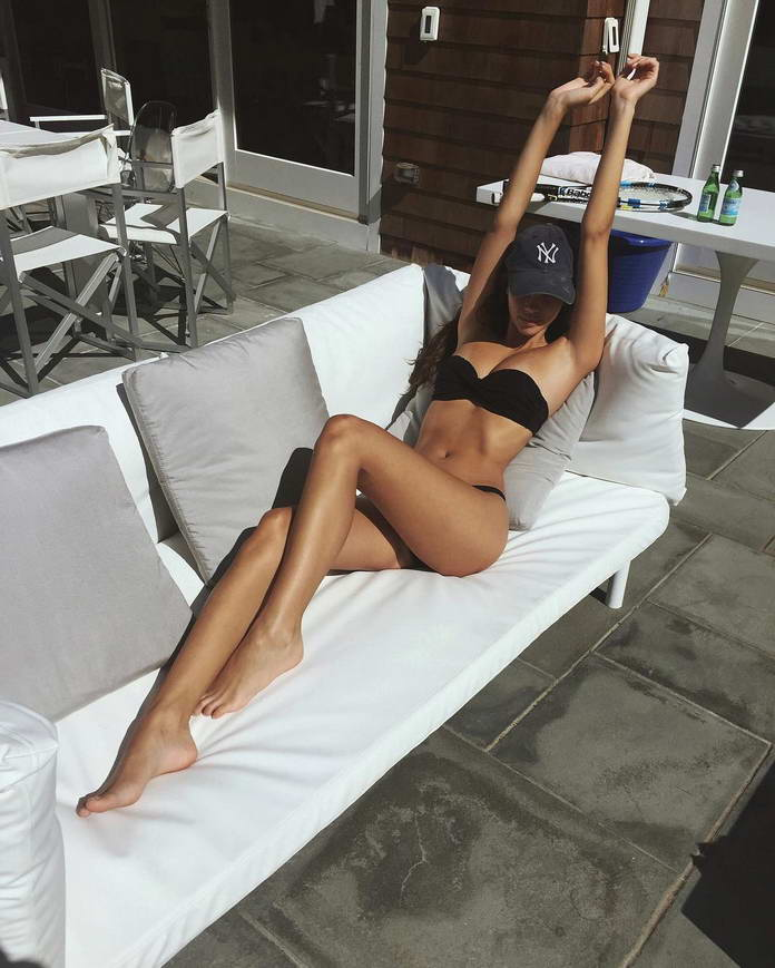 Девушки в бикини. Модель Синди Мелоу (Cindy Mellow) фото из Инстаграм