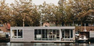 Плавучий дом на реке в Голландии, стильный хаусбот