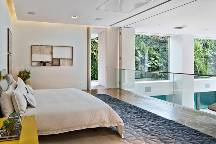 Спальня. Двухуровневая квартира в Сан-Паулу, Бразилия