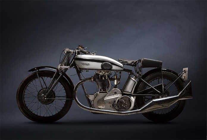 Ретро мотоцикл Norton
